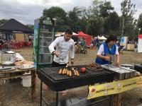 Блюда на мангале, beaty-зоны и развлечения для детей: как в Запорожье проходит фестиваль уличной еды (Фоторепортаж)