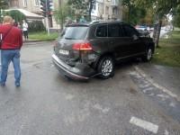 Священник на «Touareg» спровоцировал аварию, нарушив ПДД – подробности