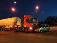На Бабурке автоцистерна столкнулась с легковушкой (Фото)