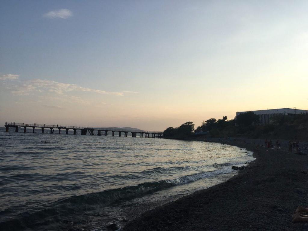 Пляж биостанции в 7 часов вечера