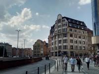 «Они сделали шаг вперед, мы — два назад: запорожский журналист рассказал о ценах и жизни в польском городе