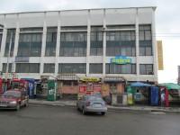 Фасад отделения «Укрпочты» на центральном ж/д вокзале закроют рекламой