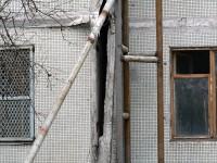 В Запорожской области разрушается стена общежития (Фото)