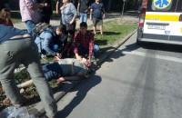 Пострадавший, сбитый микроавтобусом в центре Запорожья, в тяжелом состоянии — подробности