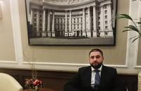 Владеет ночными клубами и дружит с нардепом: в СМИ назвали имя организатора убийства Олешко
