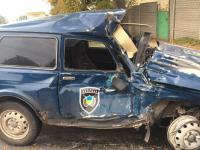 Машину охраны серьезно помяло в ДТП с грузовиком (Фото)