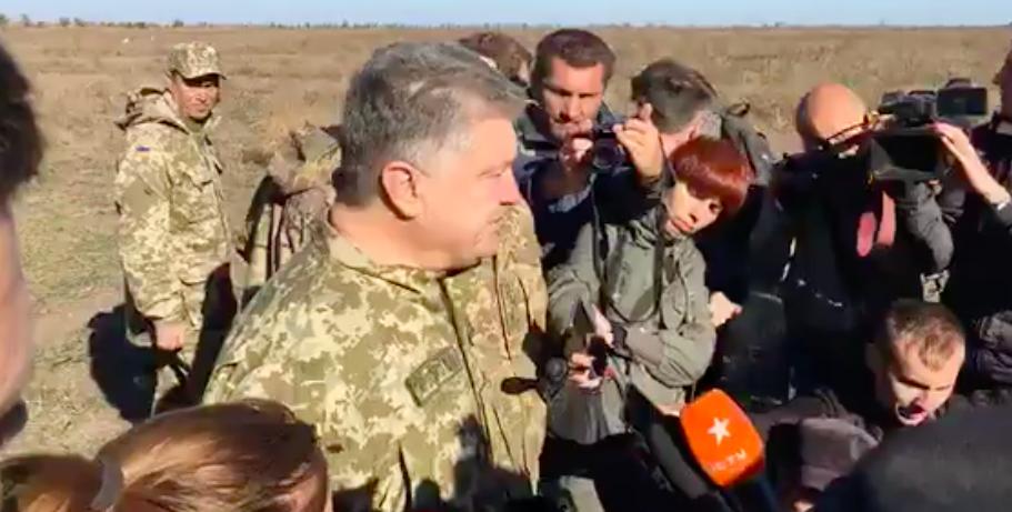 """""""Это делается не для пиара"""": Порошенко посетил военные учения в Запорожской области (Видео)"""