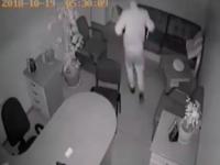 В Запорожье офисный вор попал в объектив камеры видеонаблюдения (Видео)