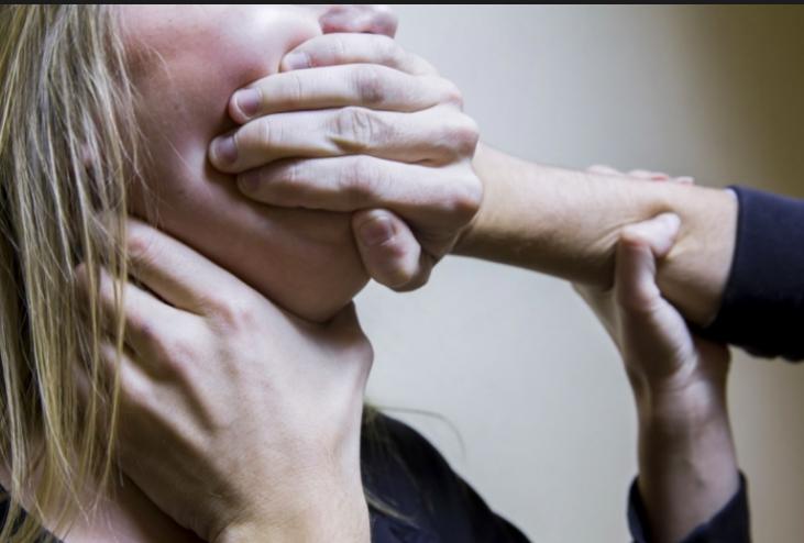 Вышла покурить: пациентку запорожской  больницы пытались изнасиловать