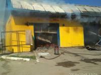 В Приморске шиномонтаж загорелся вместе с авто и мотоциклом