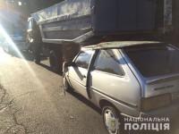 Запорожанка врезалась в припаркованный грузовик  – среди пострадавших трое детей
