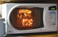 Рано утром в Запорожской области из-за микроволновки чуть не сгорела квартира