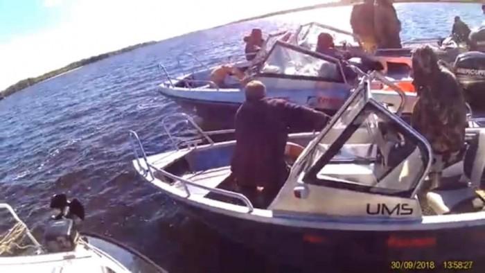 Вот катер, на котором перевернулся Дмитрий Чайка с полицейскими