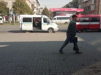 В отделении «Приватбанка» в центре Запорожья нашли подозрительный пакет (Фото)