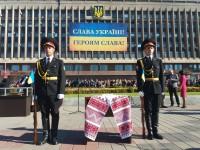 «Слава Україні!»: Десятки военных в центре Запорожье торжественно принимают присягу (Фото)