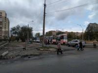 В Запорожье серый «БМВ» парализовал движение трамваев – очевидцы