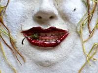 «AM OR»: запорожская художница сотворила из еды новую эротическую инсталляцию (Фото)