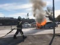 На запорожской Набережной возле заправки загорелась легковушка