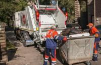 В Запорожье закупили новые мусоровозы и сотни контейнеров