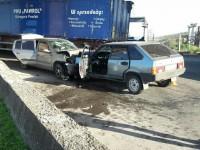 На мосту Преображенского лоб в лоб столкнулись легковушки – пятеро пострадавших (Фото, Видео)