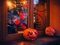 Напугать покупателя: запорожские супермаркеты соревнуются в декорациях к Хеллоину