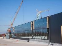 В запорожском аэропорту начали застеклять новый терминал (Фото)