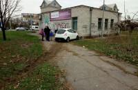 В Запорожье легковушка въехала в здание магазина: пострадал ребёнок (Фото)