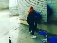 Ученица ПТУ била второкурсницу ногами по лицу (Видео)