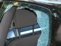 Запорожец повредил чужое авто и залез в него греться