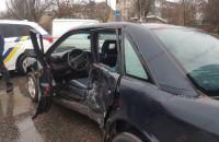 В Бердянске ВАЗ протаранил Audi: пострадал 10-месячный ребенок