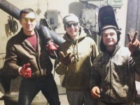 Трое друзей после работы собирают буржуйки для военных
