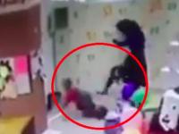 «Эмоционально выгорела»: матерью, избившей ногами маленького сына в развлекательном центре, заинтересовалась соцслужба (Видео)