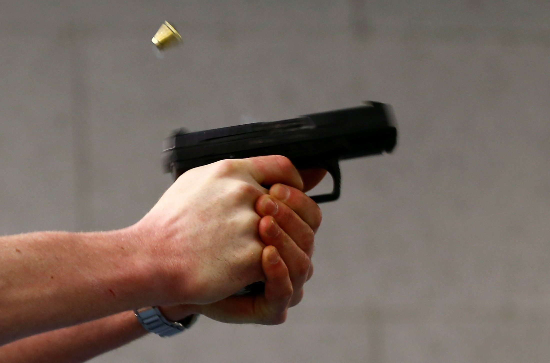 Под Запорожьем стреляли в сотрудников облэнерго – досталось служебному авто
