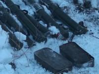 В лесополосе возле трассы в Запорожской области нашли 6 гранатомётов и тысячи снарядов
