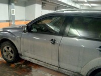 К авто на подземном паркинге «Авроры» привязали гранату – подробности