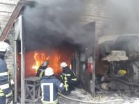 В гаражном кооперативе горела ремонтная мастерская