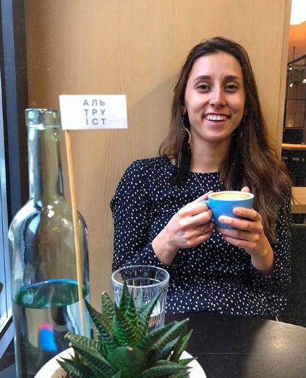 """""""Вот бы нам такое"""": в столичном кафе бесплатно наливают кофе в обмен на пластиковые крышечки"""