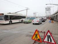 Запрет на проезд грузовиков по запорожской плотине обойдется городу в 1,5 миллиона