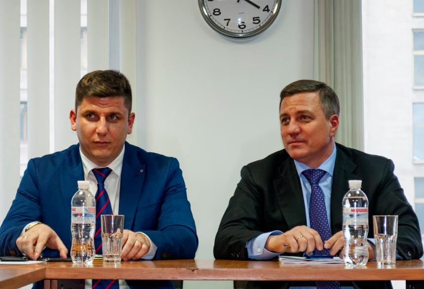 Зарплаты 700 евро и рабочая экономическая модель – в Запорожье представили программу Гриценко