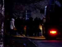 На Бородинском между застройщиком и жителями произошла потасовка: в ход пошел слезоточивый газ (Видео)
