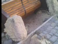 «Вырвали с мясом»: на Бабурке вандалы расправились с новыми лавочками