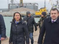 В центре мирового внимания: Бердянский порт посетила делегация с послом Франции (Фото)