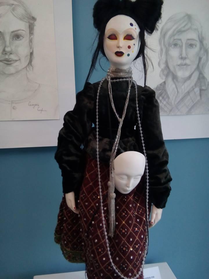 В Запорожье открылась галлерея кукол
