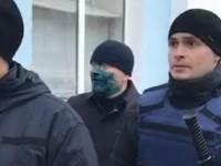 «Уезжай домой»: в Запорожской области Вилкула щедро облили зеленкой (Видео)