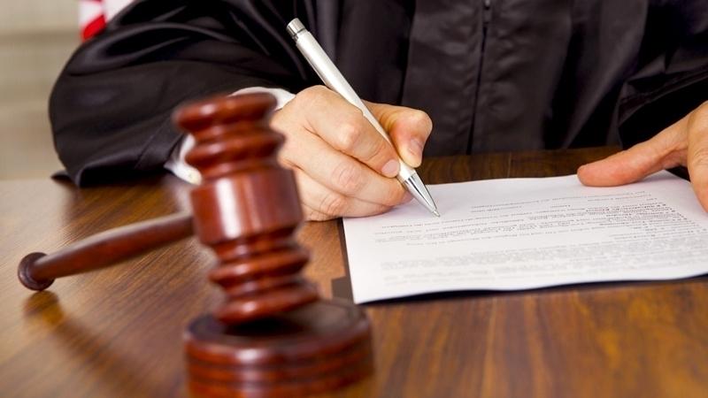 Иностранку оштрафовали за взятку сотруднику миграционной службы