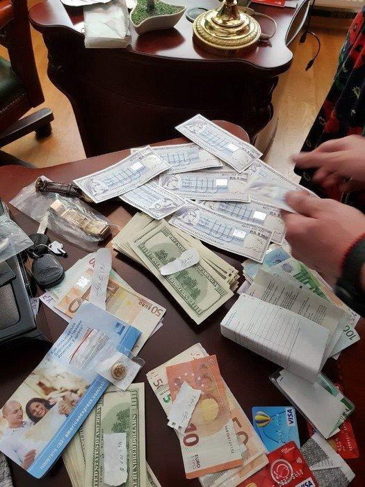 """Силовики провели в Запорожье обыски по делу о мошенничестве с """"Форекс"""": речь о 340 миллионах"""