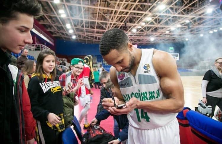 Запорожские баскетболисты впервые в истории стали чемпионами Суперлиги
