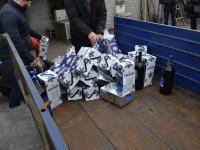 В Запорожье уничтожили партию поддельной элитной водки