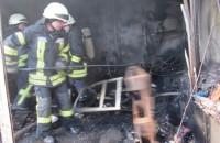В Запорожье на Радиорынке вспыхнул масштабный пожар (Фото, Видео)
