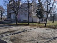 Запорожская мэрия продала участок земли в сквере по 175 гривен за метр
